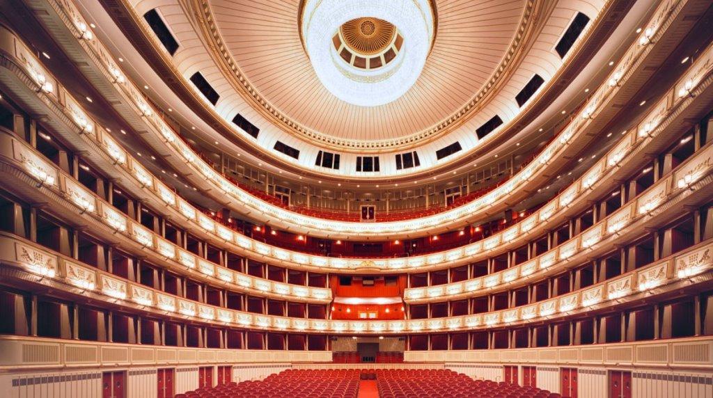 Советы «Вентотур»: Мировая опера, кино и театр – онлайн!